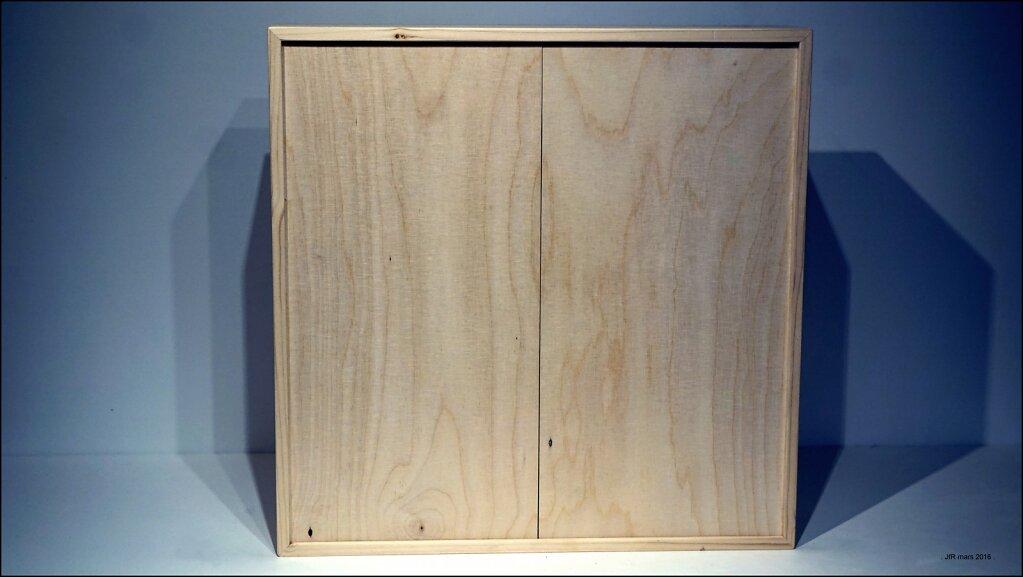 BOX-closed-saatchi.JPG